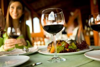 https://cf.ltkcdn.net/french/images/slide/179463-800x533-alcohol-consumption.jpg