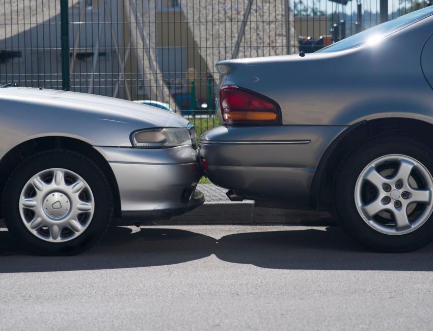https://cf.ltkcdn.net/fun/images/slide/203850-850x649-Parallel-parking.jpg