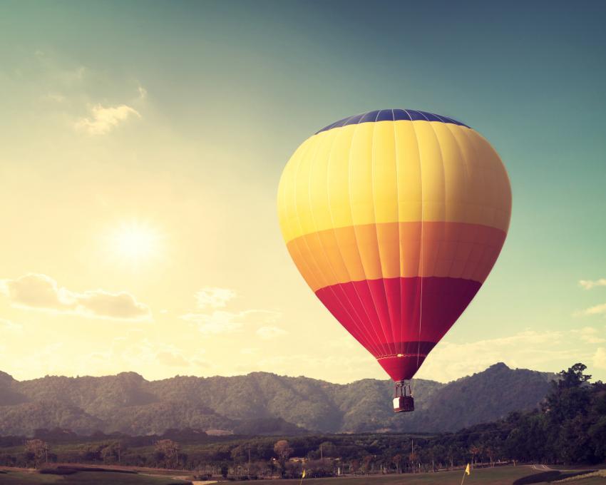 https://cf.ltkcdn.net/fun/images/slide/205087-850x680-hotairballoon.jpg