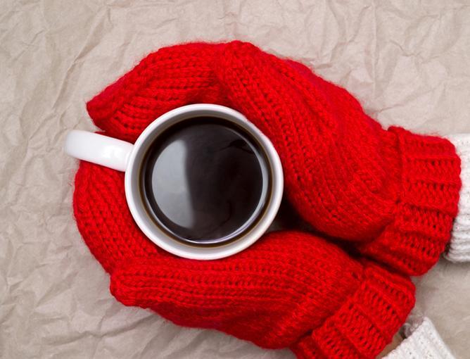 https://cf.ltkcdn.net/fun/images/slide/206007-668x510-Woman-in-mittens.jpg