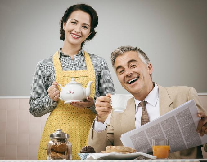 https://cf.ltkcdn.net/fun/images/slide/206504-667x524-1950s-style-couple-having-breakfast.jpg