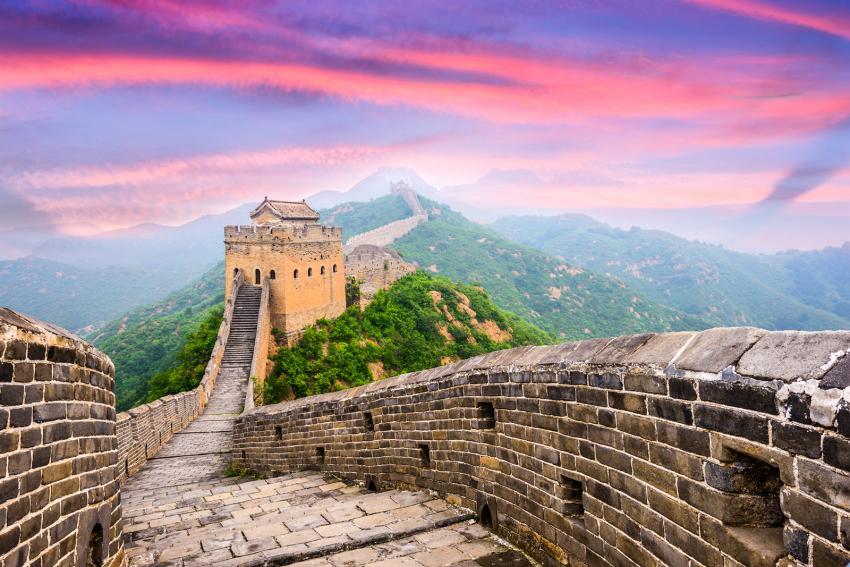 https://cf.ltkcdn.net/fun/images/slide/210396-850x567-Great-Wall-of-China.jpg