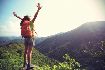 https://cf.ltkcdn.net/fun/images/slide/201823-850x567-Cheering-woman-hiker.jpg