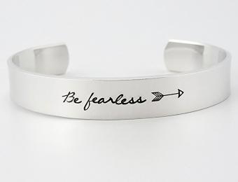 https://cf.ltkcdn.net/fun/images/slide/204507-850x649-Handmade-Be-Fearless-Jewelry.jpg
