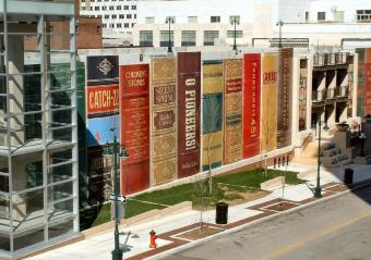 https://cf.ltkcdn.net/fun/images/slide/204602-800x562-library-district-parking-garage.jpg
