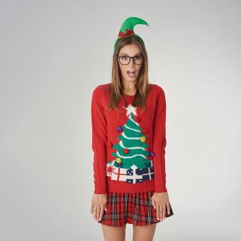 https://cf.ltkcdn.net/fun/images/slide/205334-850x850-Shocked-woman-with-Christmas-clothes.jpg