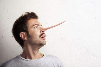 5 Tricks to Tell if Someone Is Lying