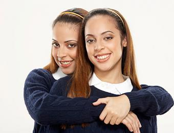 https://cf.ltkcdn.net/fun/images/slide/205987-668x510-Young-women-wearing-headbands.jpg