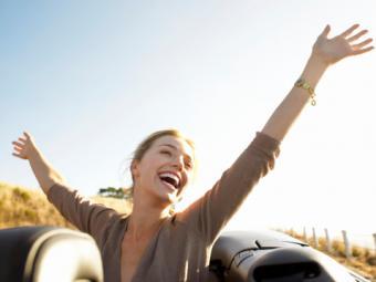 7 Secrets of Happy Women