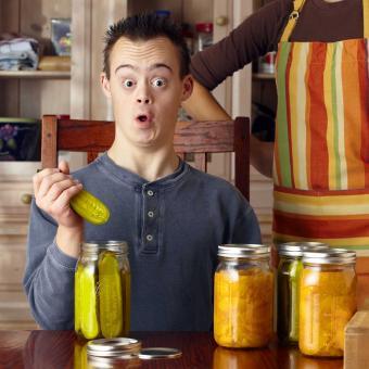 https://cf.ltkcdn.net/fun/images/slide/207193-850x850-Surprised-guy-with-pickle.jpg