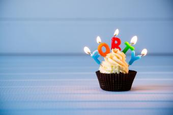 Cupcake with candles for 40th birthday