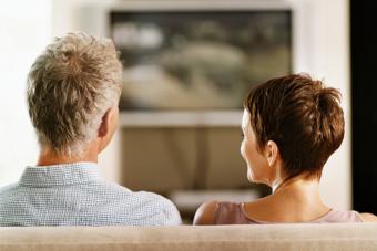 https://cf.ltkcdn.net/fun/images/slide/216440-704x469-Watching-TV.jpg