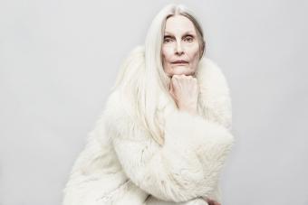 https://cf.ltkcdn.net/fun/images/slide/233854-850x567-senior-woman-with-long-hair.jpg
