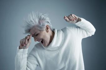 https://cf.ltkcdn.net/fun/images/slide/233858-850x567-trendy-senior-woman.jpg
