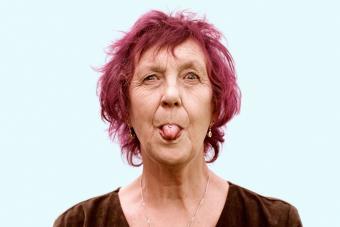 https://cf.ltkcdn.net/fun/images/slide/233862-850x567-woman-with-magenta-hair-color.jpg