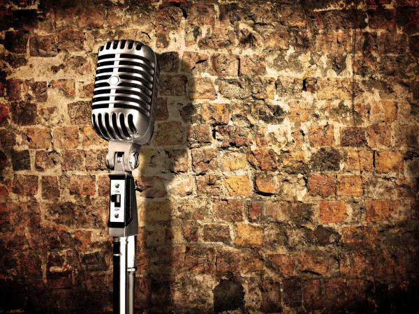 Retro microphone