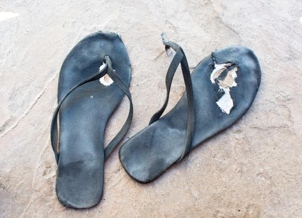 3186a374cf8fd0 10 Reasons You Should Never Wear Flip Flops