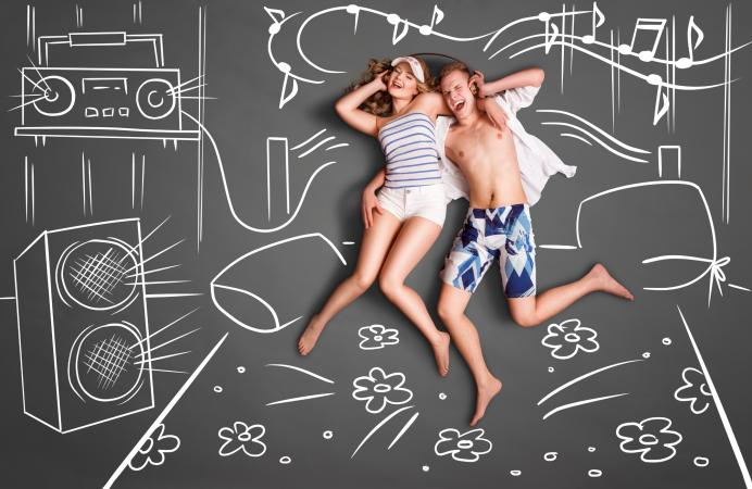 couple in chalk bed