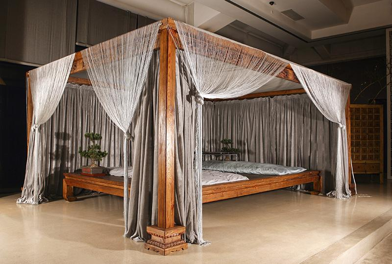 https://cf.ltkcdn.net/furniture/images/slide/171454-800x539-Zen-platform-bed-TS-new.jpg