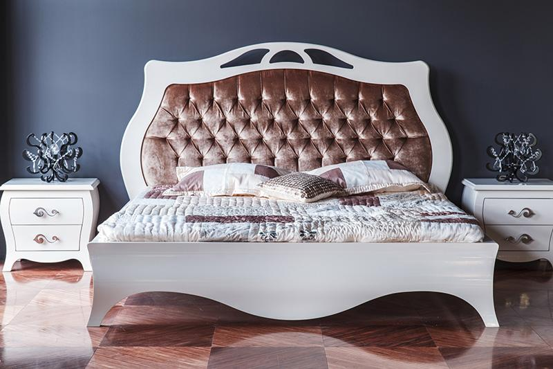 https://cf.ltkcdn.net/furniture/images/slide/171457-800x533-Wavy-luxury-bed-TS-new.jpg