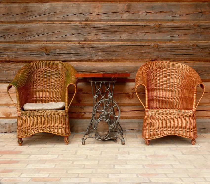 https://cf.ltkcdn.net/furniture/images/slide/249809-850x744-4-simple-creative-ideas-furniture.jpg