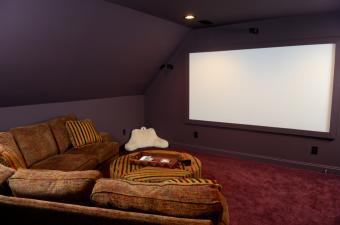 https://cf.ltkcdn.net/furniture/images/slide/107814-850x563-Media-4.jpg