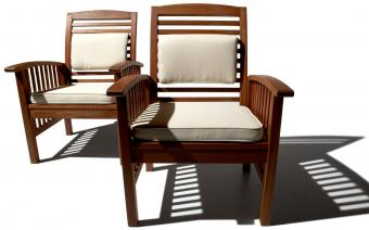 https://cf.ltkcdn.net/furniture/images/slide/163061-850x530-hardwood-chairs.jpg