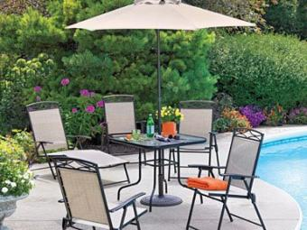 https://cf.ltkcdn.net/furniture/images/slide/163066-384x288-6-piece-umbrella-set.jpg