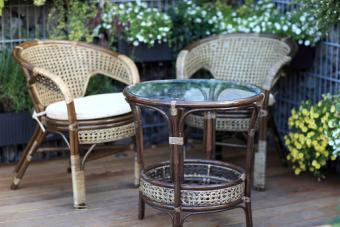 Glass top, round table and chairs