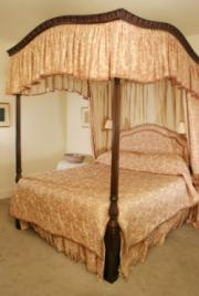 luxury canopy bed