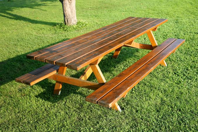 similar picnic table