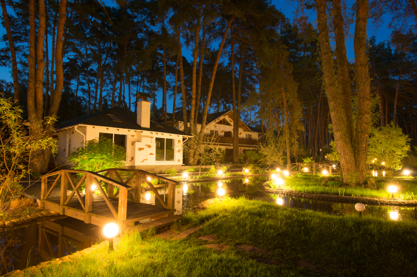 Outdoor Landscape Lighting Ideas Lovetoknow