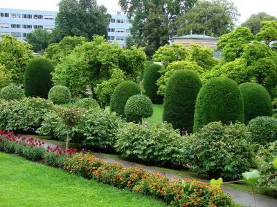 https://cf.ltkcdn.net/garden/images/slide/112023-400x300-Stuttgartzoo2.jpg