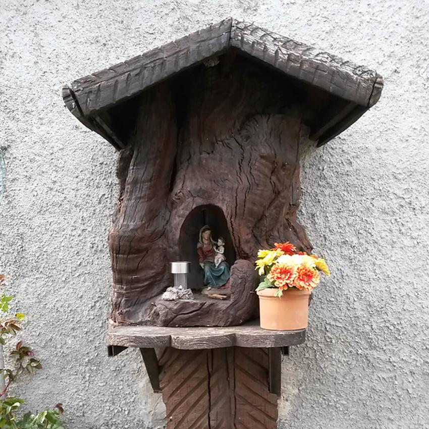 https://cf.ltkcdn.net/garden/images/slide/233210-850x850-19-garden-tree-stumps.jpg