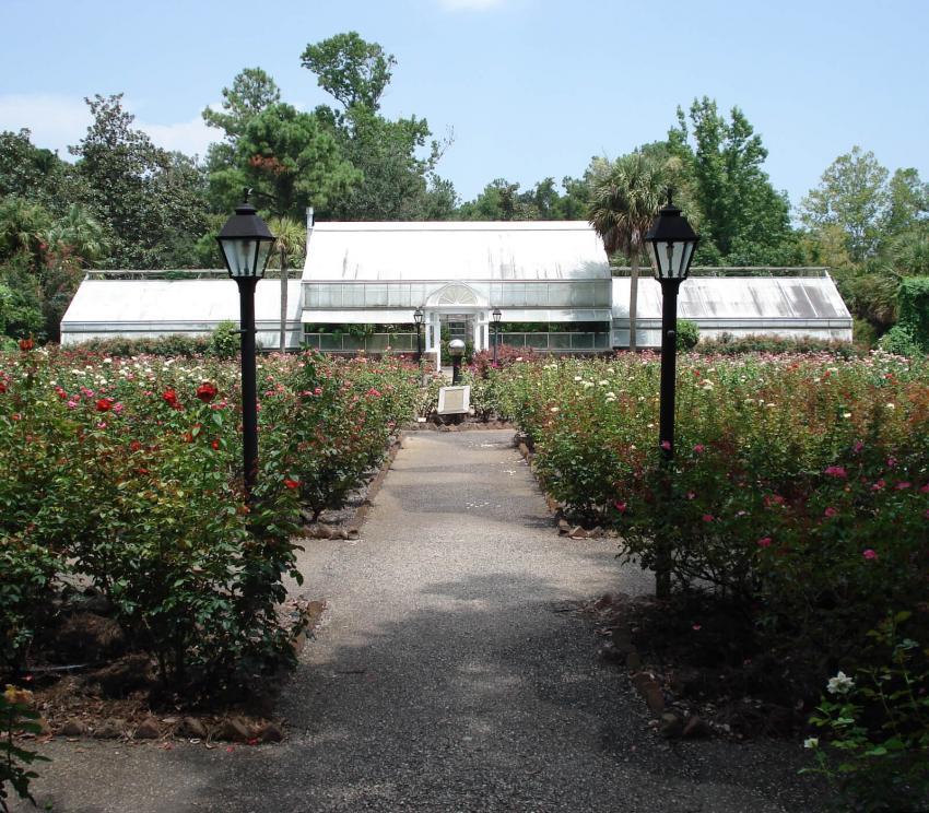 https://cf.ltkcdn.net/garden/images/slide/258177-850x744-7-bellingrath-gardens-alabama.jpg