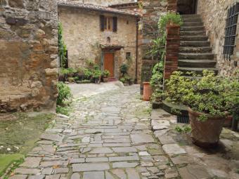 Flagstone tuscan patio