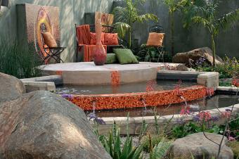 https://cf.ltkcdn.net/garden/images/slide/178714-850x565-mosaic-tiered-pond.jpg