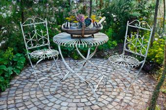 enclosed moon garden