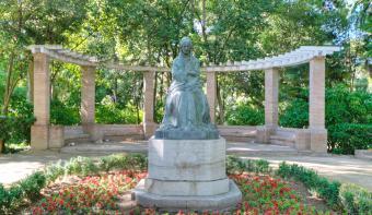 Bronze statue in Seville