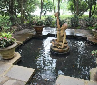 https://cf.ltkcdn.net/garden/images/slide/258172-850x744-11-bellingrath-gardens-alabama.jpg