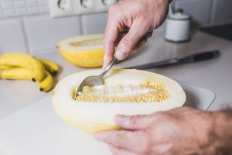 Remove melon seeds