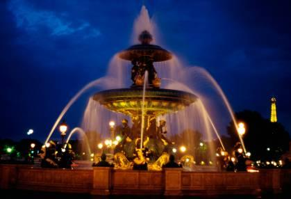 fountain at the Place de la Concorde