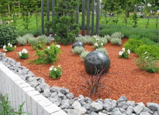 Formal garden with gazing balls