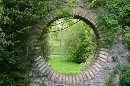 garden wall circular window
