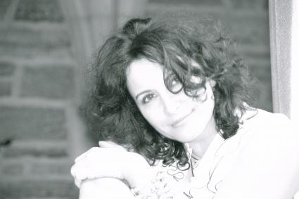 Elizabeth Khan