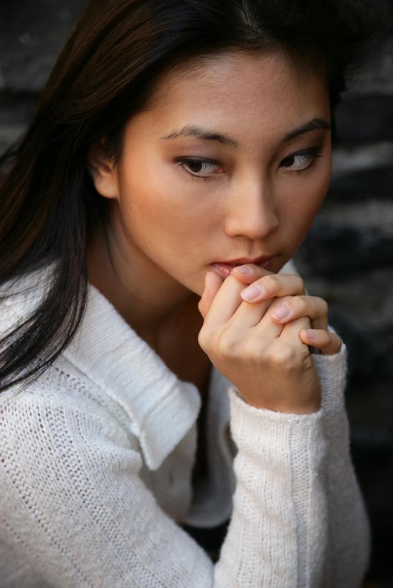 https://cf.ltkcdn.net/gluten/images/slide/126942-566x848r1-Depressed-Asian-Woman.jpg