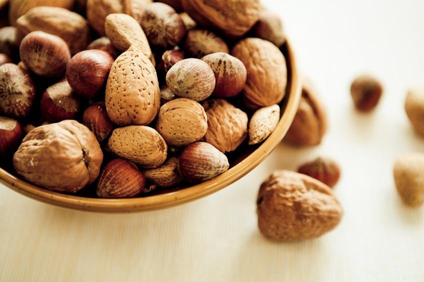 https://cf.ltkcdn.net/gluten/images/slide/142601-849x565r1-7-mixed-nuts.jpg