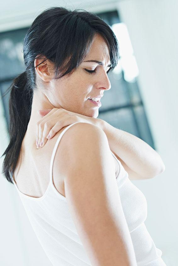 https://cf.ltkcdn.net/gluten/images/slide/174122-566x848-neck-pain.jpg