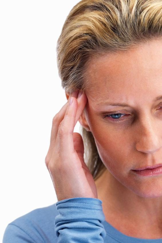 https://cf.ltkcdn.net/gluten/images/slide/174124-566x848-Woman_with_Headache.jpg