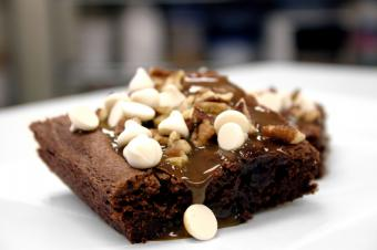 https://cf.ltkcdn.net/gluten/images/slide/108725-849x565r1-brownierecipe1.jpg